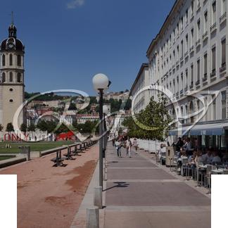 Représentation du logo sur une photo de Lyon